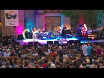 Yes (ARW) | Mountain Winery | August 28 2017 | First Set